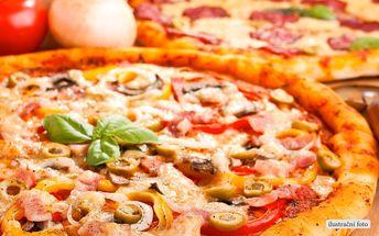 Dvě parádní pizzy v restauraci La Fonduta
