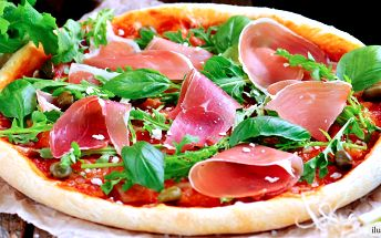 Pravá italská pizza o průměru 40 cm dle výběru