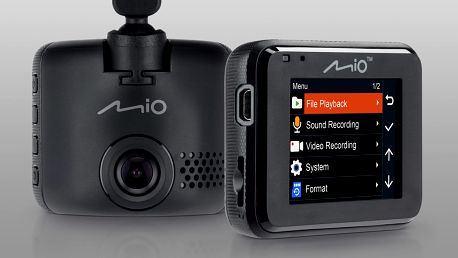 Chytrý parťák na cesty: výkonná autokamera MIO C320