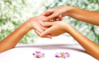 Výběr masáží z celého světa: francouzská se zábalem, čínská a indonéská Bali masáž