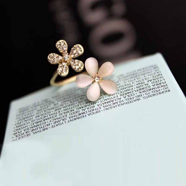 Dámský prsten s květy