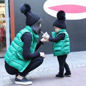 Čepice s bambulí pro dospělé, dospívající a děti