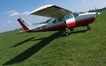 """Minikurz """"Pilotem na zkoušku"""" pro 1 osobu. Předletová příprava, let na simulátoru či v Cessně"""