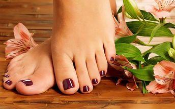 Luxusní hýčkající pedikúra pro unavené nohy