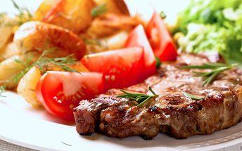 2 šťavnaté steaky z krkovičky a bohatá příloha