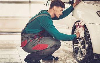 Ruční čištění auta v OC Mercury
