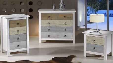 Nábytek z borovice v provensálském stylu