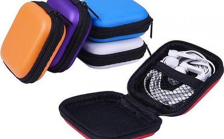 Balení barevných pouzder na sluchátka