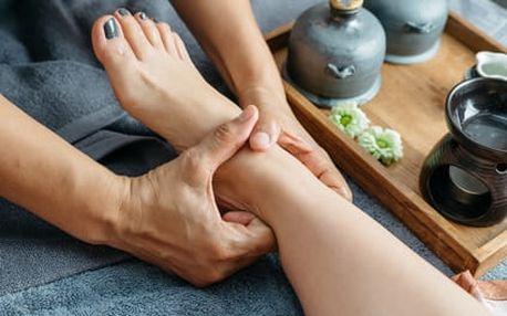 Thajské masáže: 10x masáž/ rukou na 15 min., či 5x jasmínová/ čokoládová masáž na 60 min.