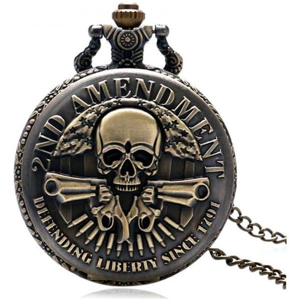 Kapesní hodinky s motivem ozbrojené lebky