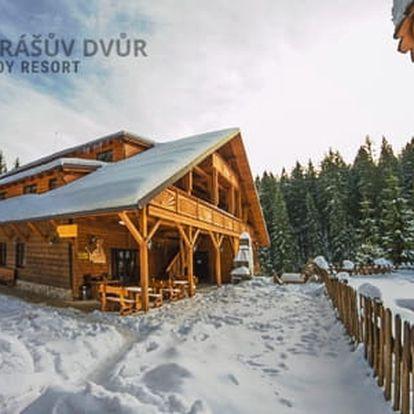 Wellness hotel Ondrášův Dvůr **** pouhých 100 metrů od vleků, s polopenzí a volným vstupem do největšího thermal parku na Moravě