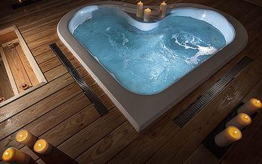 Celodenní vstup do saunového centra na Harfě pro 1-2 osoby: masáže, sauny, sekt a vířivka