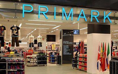 Povánoční výprodeje ve vídeňském Primarku