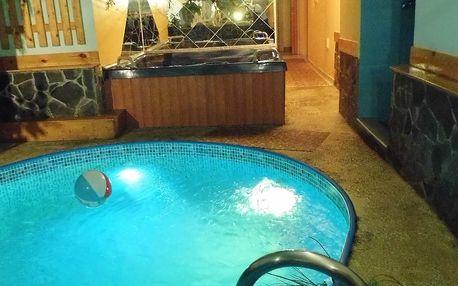 Privátní relaxační wellness balíček pro 2 osoby na 60-120 minut: sauna, bazén a whirlpool