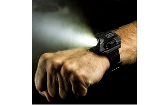 Taktické digitální hodinky se svítilnou