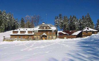 3–7denní pobyt se skipasy nebo wellness pro 2 v hotelu Vsacký Cáb v Beskydech