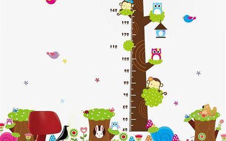 Samolepka na zeď - dětský metr v podobě stromu