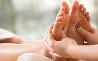 Regenerační masáž nohou a chodidel se zábalem