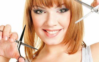 Barvení vlasů s kompletním střihem vč. masáže