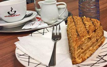Káva a dezert Marlenka ve FOX caffé
