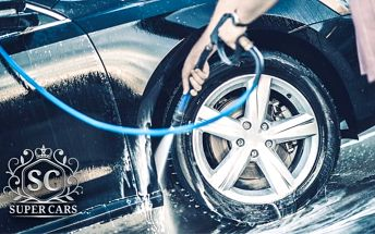 Čištění exteriéru vozu, interiéru vozu nebo obojí v myčce Polar Wash v Praze