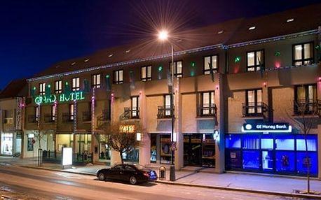 Silvestrovský pobyt pro dva ve 4* Grand Hotelu Třebíč, aperitiv, půlnoční přípitek, bazén neomezeně.