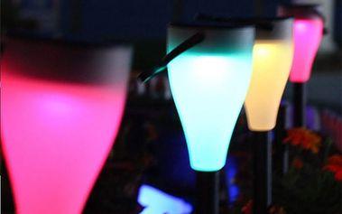 Venkovní LED solární světlo s měnícími barvami