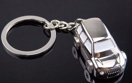 Přívěsek na klíče - Auto ve stříbrné barvě