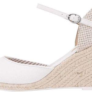 Bílé dámské sandálky na klínku Pepe Jeans