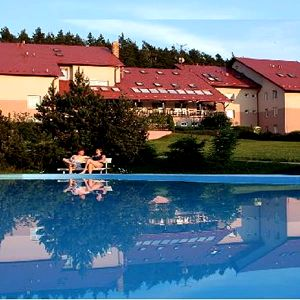 Wellness pobyt s až 24 procedurami na Křivoklátsku pro 2 osoby v Hotelu Jesenice