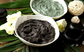 Regenerační balíček pro ženu: maska z černého jílu, rašelinová koupel, masáž dle výběru