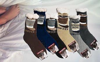Teplé domácí ponožky s motivem - Černé