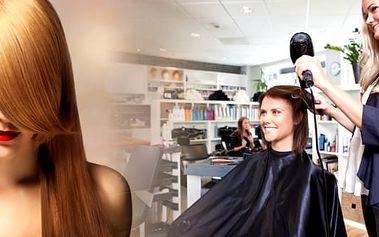 Kadeřnické balíčky v salonu De Parfaite. Barva nebo melír, mytí, keratinová regenerace, střih, foukaná, styling, poradenství. Ošetření vlasů aplikací keratinu zažehlením za studena. Vlasy jsou vizitkou každé ženy, využijte naší nabídky.
