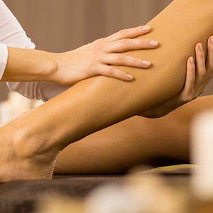 50minutová sportovní masáž pro unavené nohy