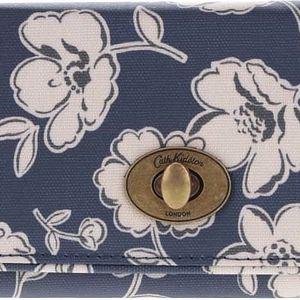 Tmavě modrá květovaná peněženka se sponou Cath Kidston
