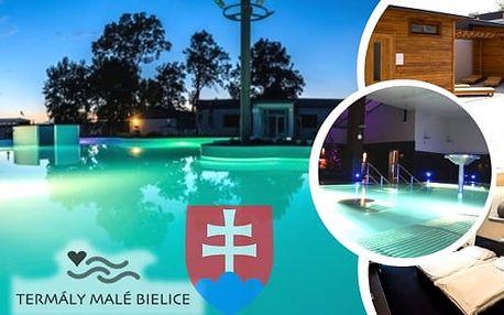 Termální lázně Malé Bielice s neomezeným vstupem do lázní a polopenzí.Relaxační bazény s termální vodou, dětské hřiště, hydromasáže.