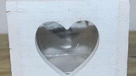 Krásný dřevěný svícen srdce v bílé barvě. Originální dekorace do Vašeho domu či bytu.