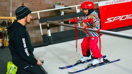 Lekce lyžování nebo SNB na indoorové sjezdovce