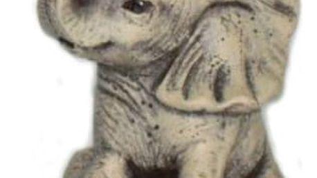 Svíčka slon z kvalitního vosku, ve tvaru sedícího slona vyvedená v jemných detailech.
