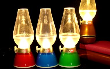 Dobíjecí LED stolní lampa v retro stylu