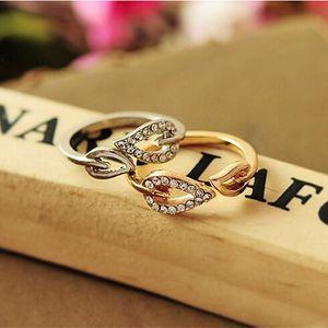 Elegantní prstýnek s motivem listů zdobený kamínky - sada 2 ks