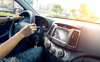 Čištění interiéru aut suchou cestou
