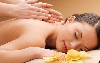 Úžasná relaxační nebo královská masáž se zábalem