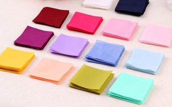 Sada 50 čtverečků látky pro výrobu drobných dekorací
