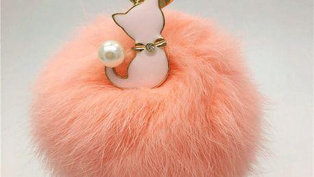Přívěsek na klíče - chlupatá koule s kočičkou
