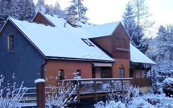 Lyžařský pobyt pro dva v penzionu Podskalí s polopenzí a skipasy v Teplicko - Adršpašských skalách.