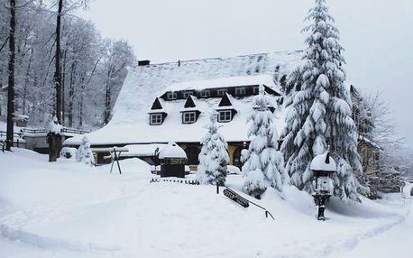 Březnová lyžovačka na Pustevnách v hotelu Tanečnica*** s polopenzí a bazénem