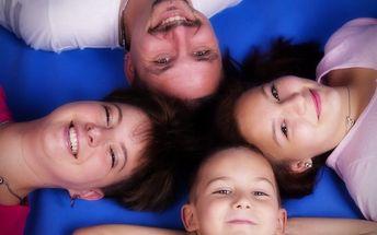 Přátelské rodinné focení v ateliéru či exteriéru