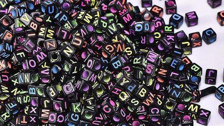 Sada 800 krychlových korálků s písmenky - černé
