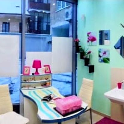 Kompletní proměna vizáže do 4 hodin: kadeřnický balíček + kosmeticka, líčení a poradenství